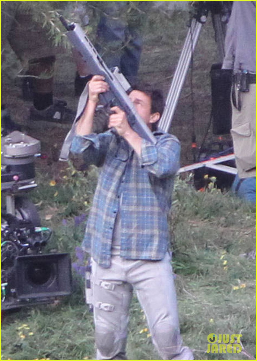 tom cruise shooting into oblivion 07
