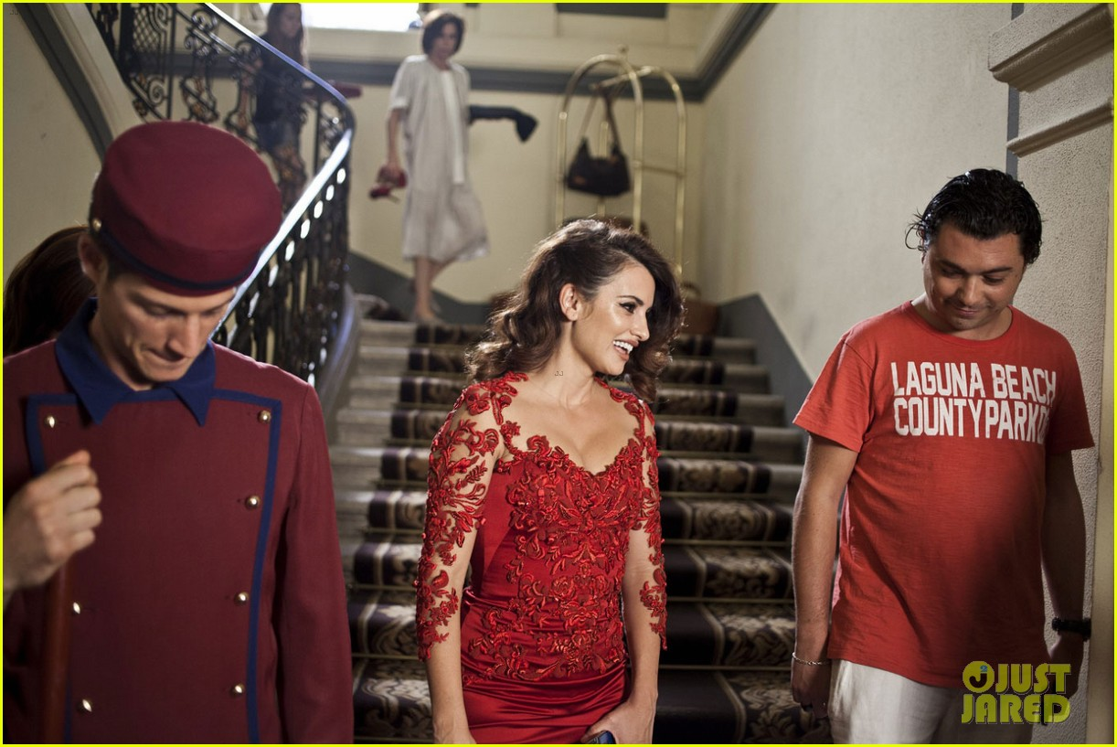 penelope cruz campari calendar shoot behind the scenes pics 02
