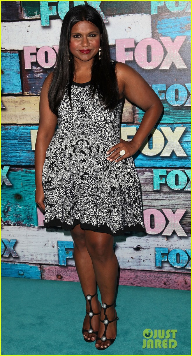 zooey deschanel mindy kaling fox all star party 03