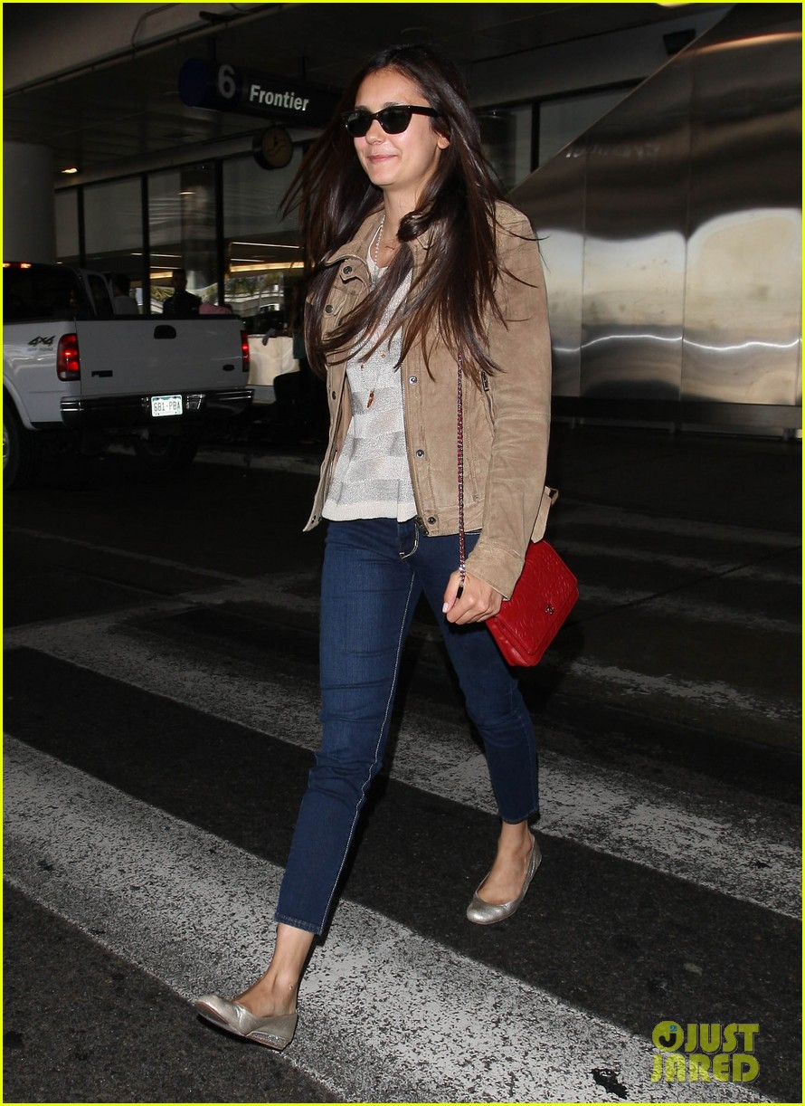 vampire diaries cast landing at lax 07