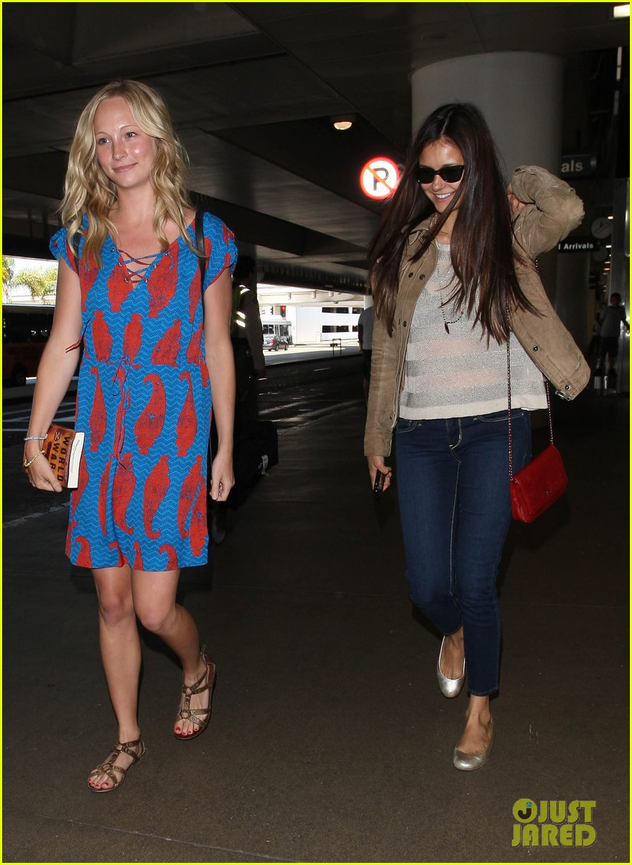 vampire diaries cast landing at lax 10