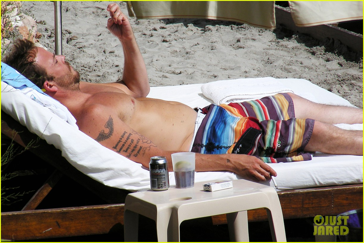 stephen dorff shirtless in spain 082686616