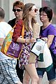 elizabeth olsen whole foods shopper 02