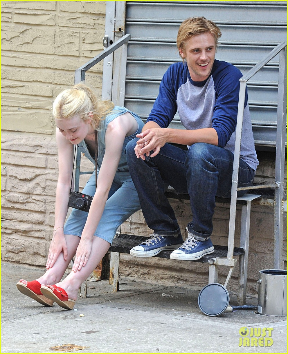 dakota fanning very good girls boyd holbrook 082683249