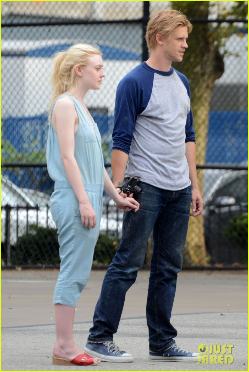 dakota fanning very good girls boyd holbrook 15