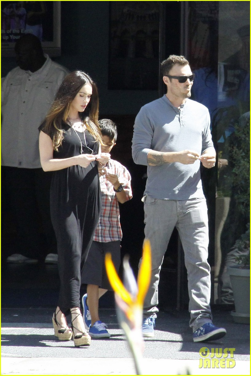 megan fox sunday mass baby bump 03