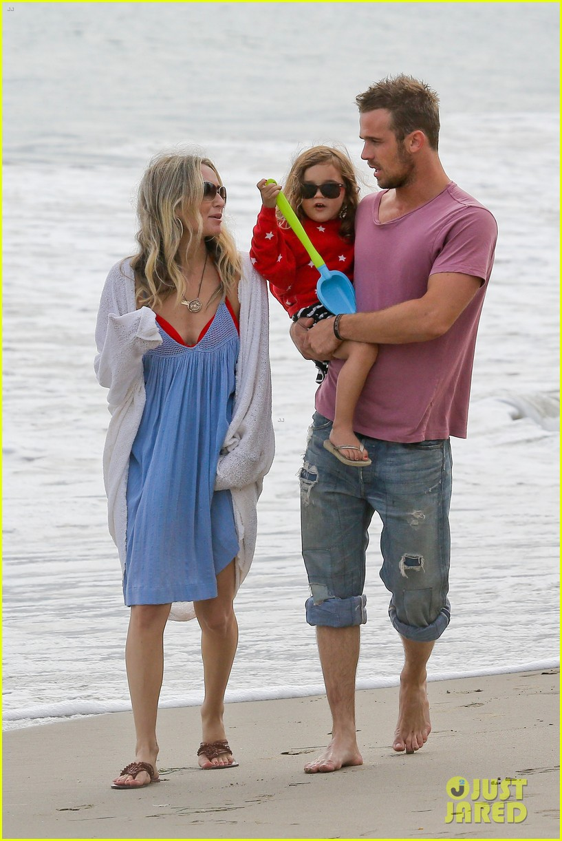 cam gigandet dominique geisendorff july 4 beach everleigh 09
