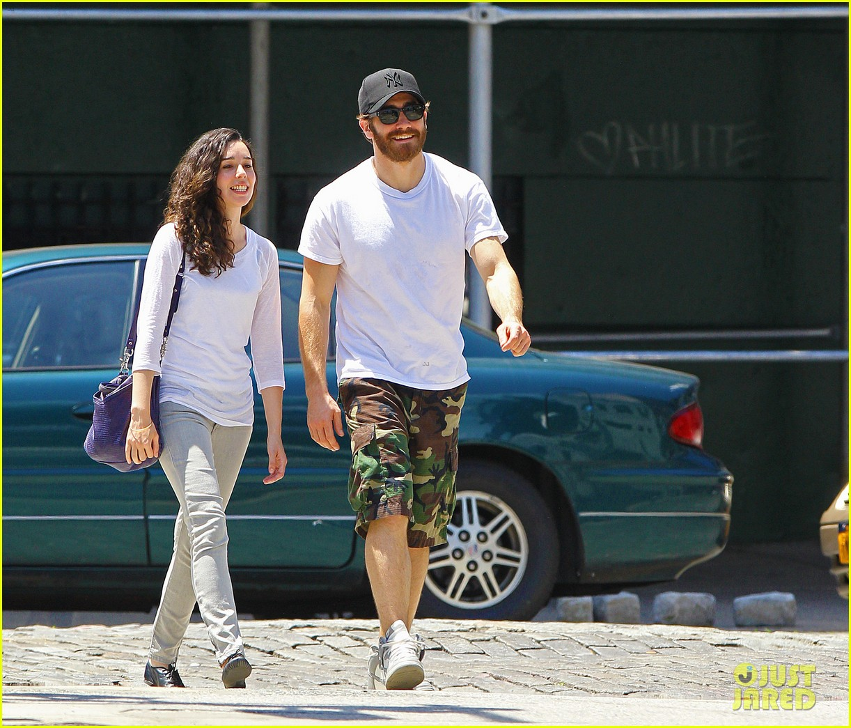 jake gyllenhall soho saturday with mystery gal 13