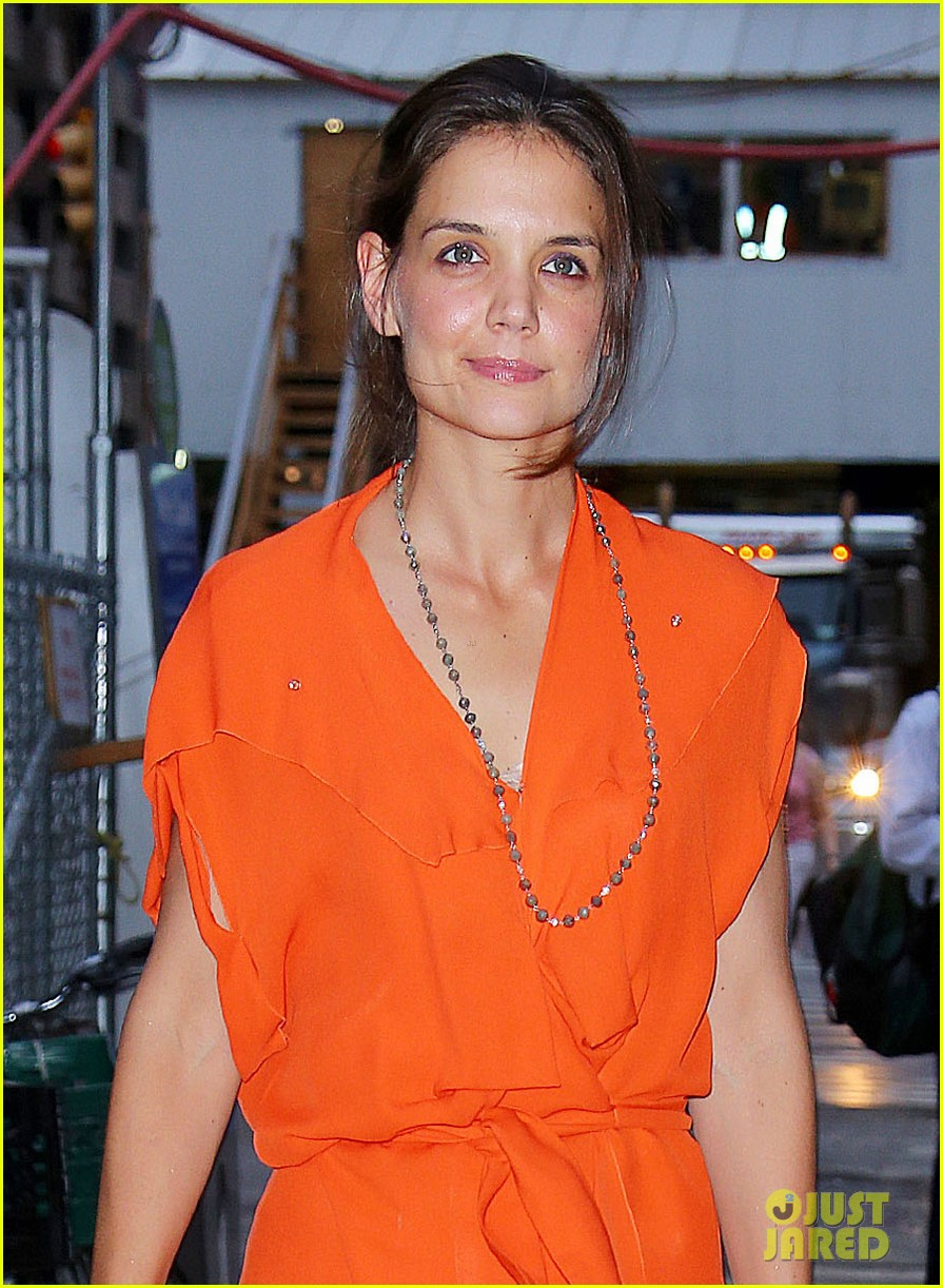 katie holmes coffee with mom 04