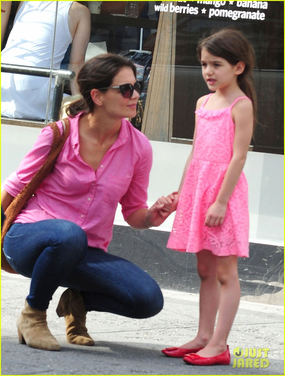 katie holmes suri pink ladies 08
