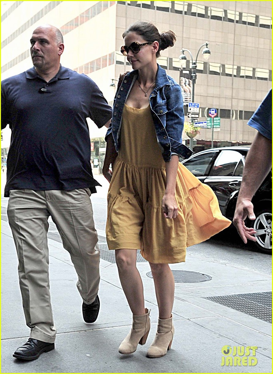katie holmes yellow dress 02