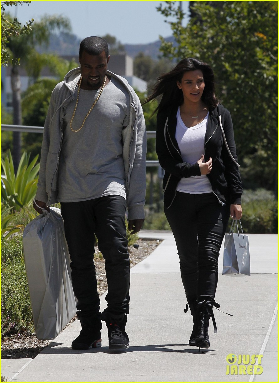 kim kardashian kanye west shop after penelopes birth 17
