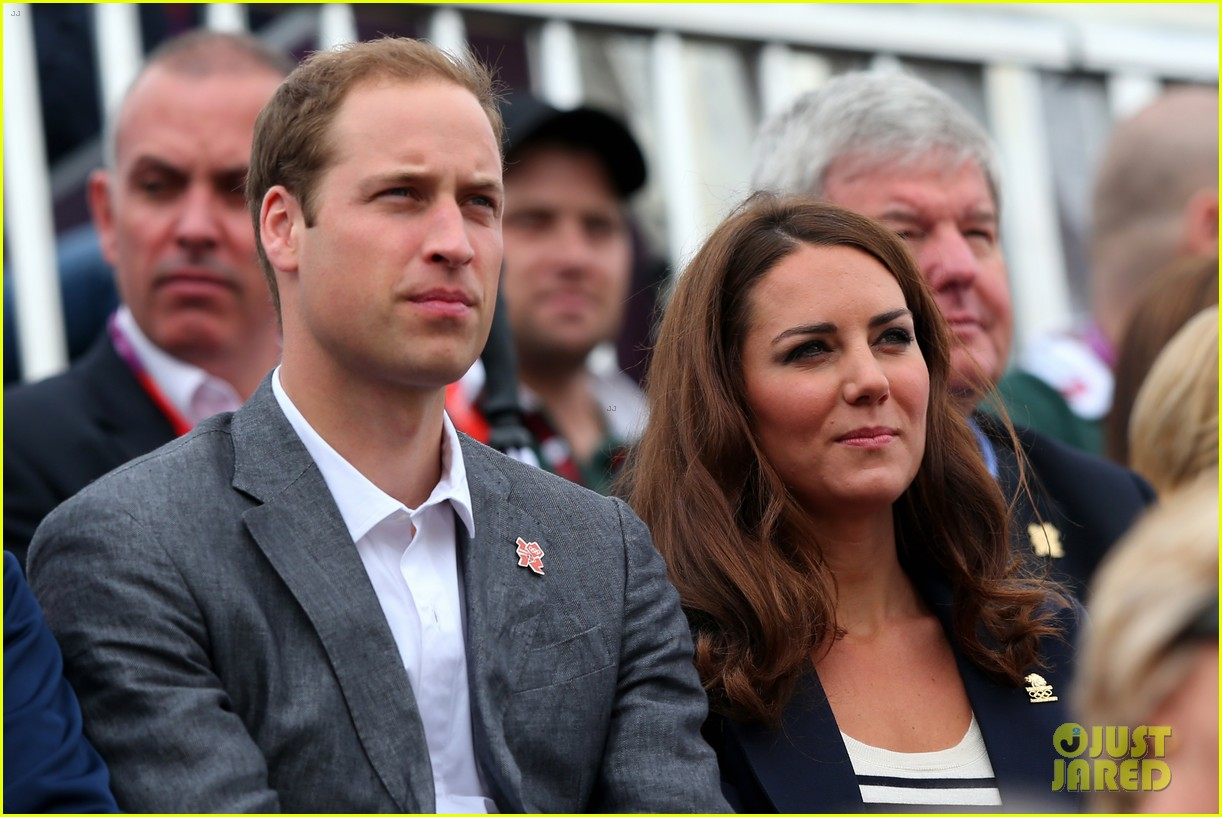 duchess kate prince william watch zara win silver medal 08