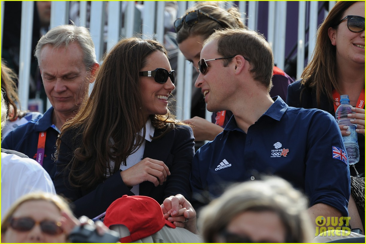 duchess kate prince william watch cousin zara phillips compete at olympics 02