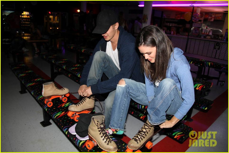 katy perry johnny wujek roller skating birthday party 02