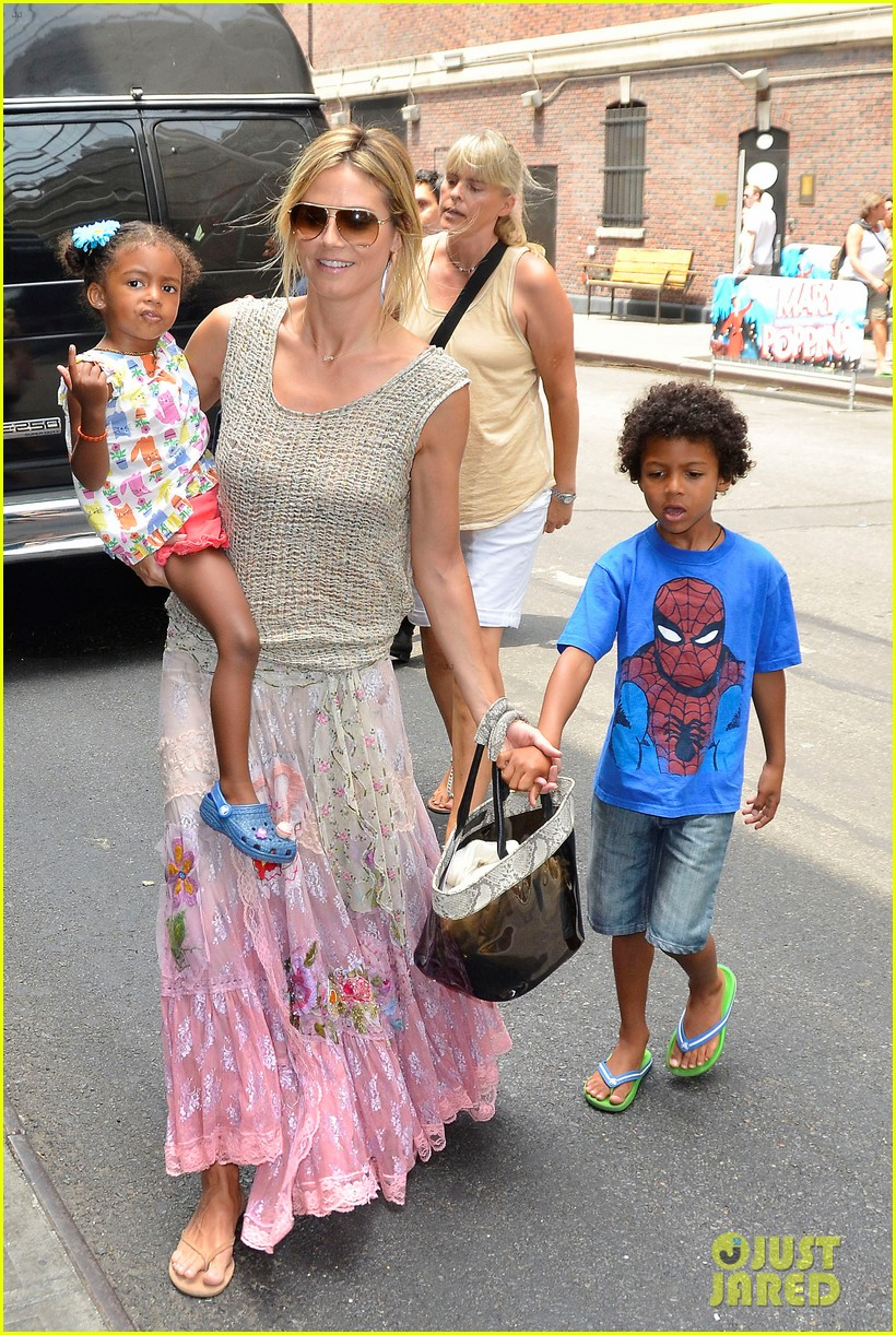 heidi klum broadways newsies with the kids 102684723