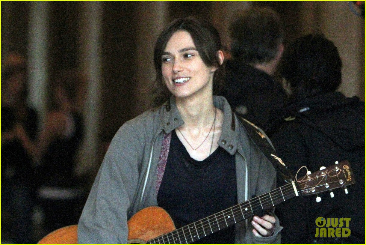 keira knightley playing guitar on song set 11