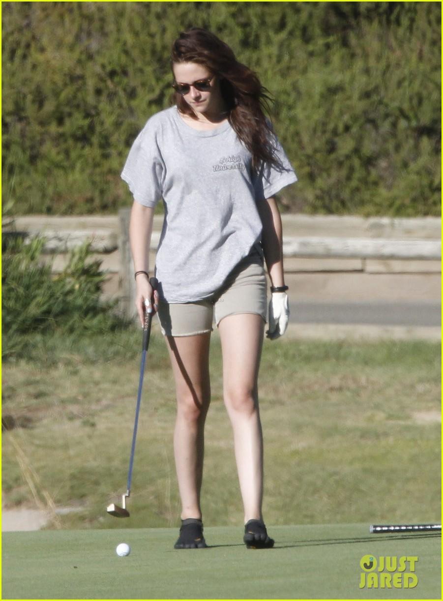 kristen stewart out golfing 12