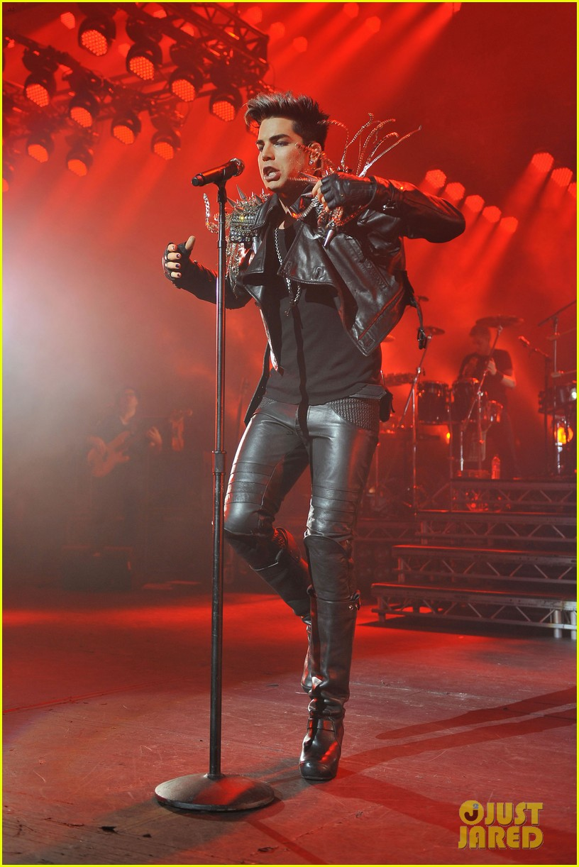adam lambert hammersmith apollo with queen 03
