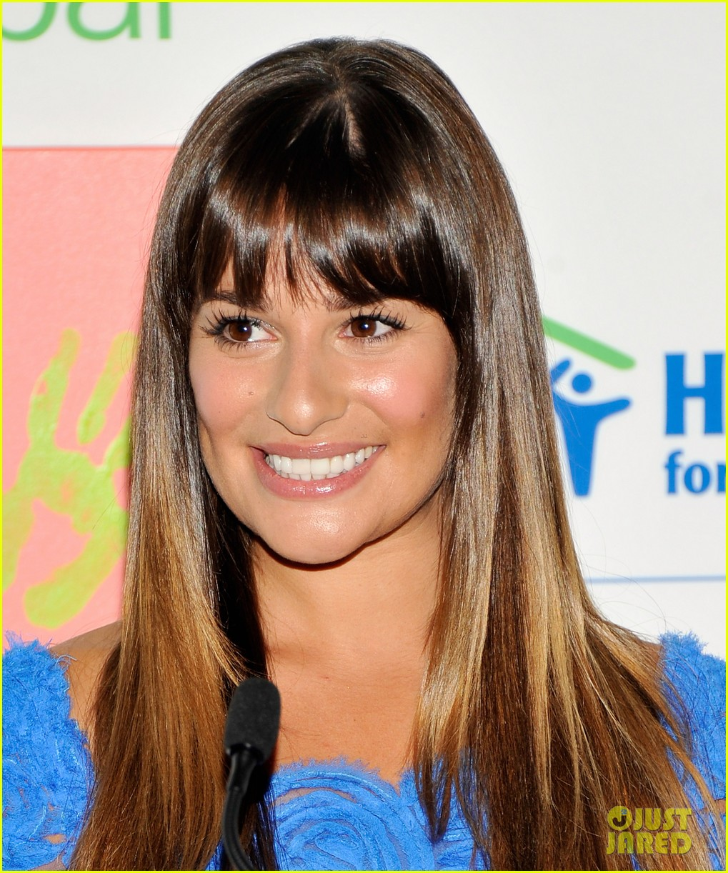 lea michele hands for habitat unveiling 04