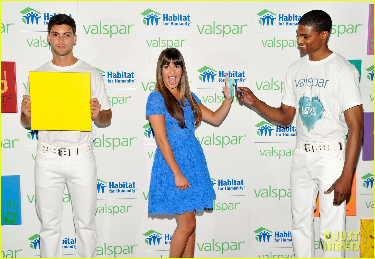 lea michele hands for habitat unveiling 05