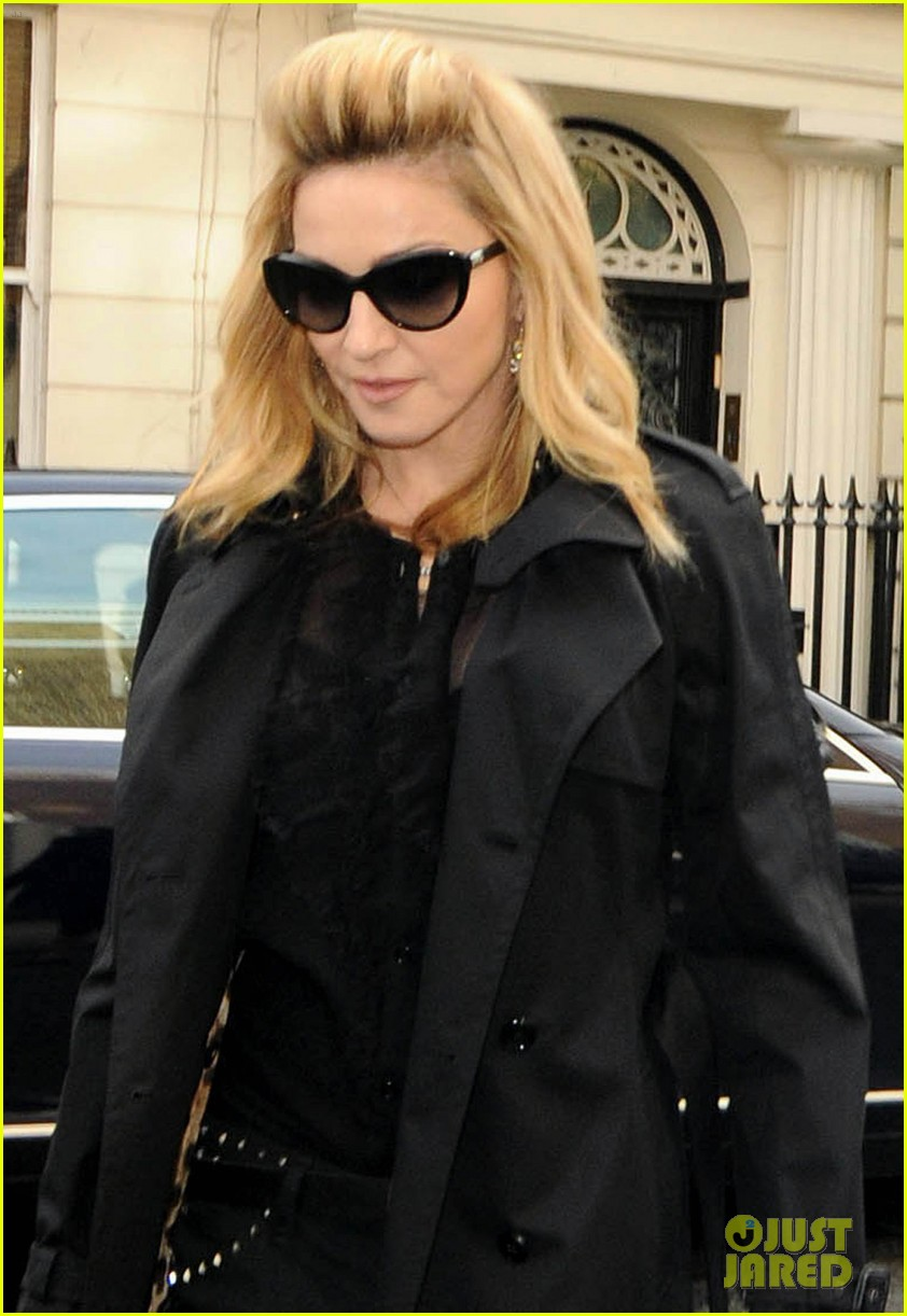 madonna london hotel arrival 02