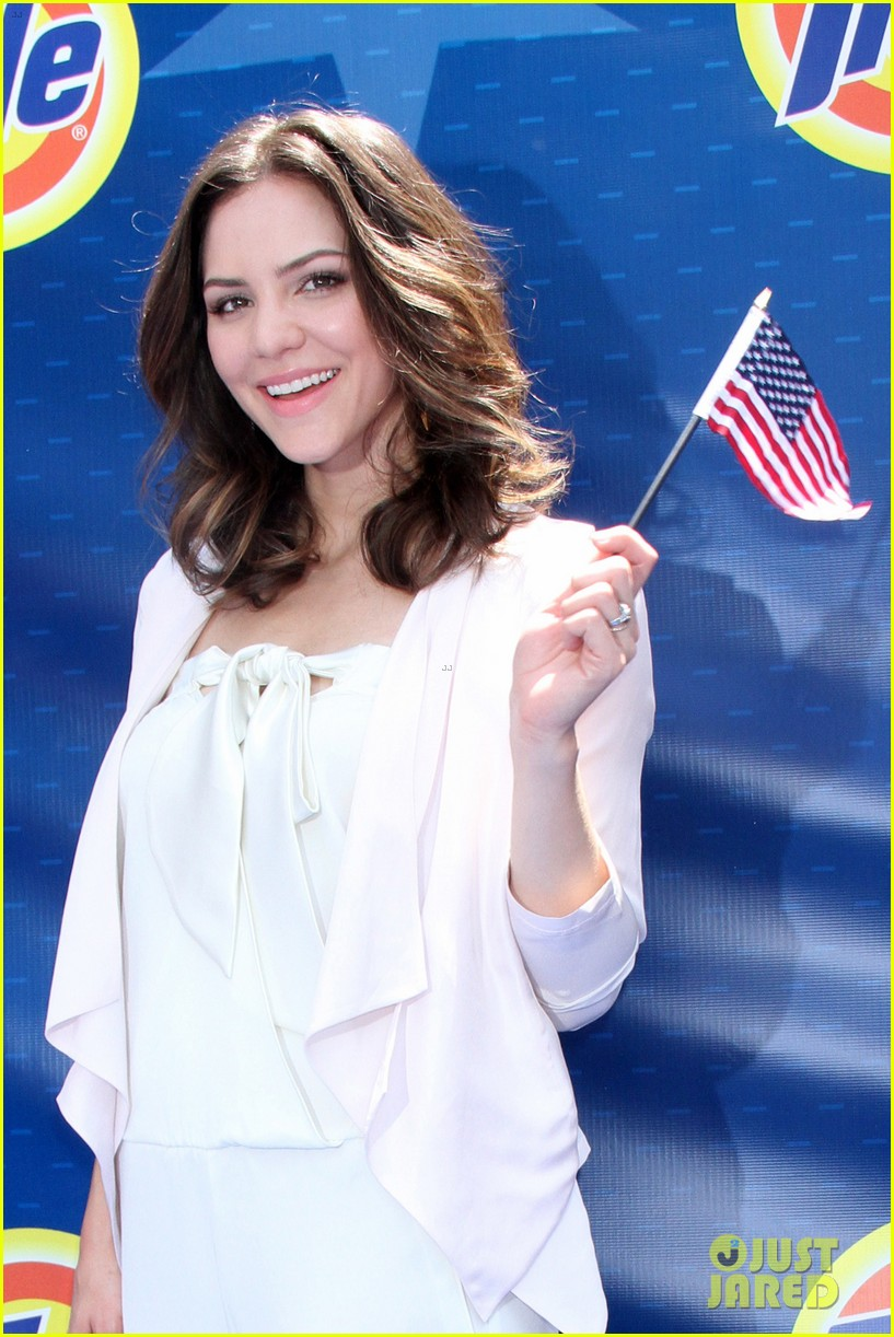 katharine mcphee megan hilty red white smash 29