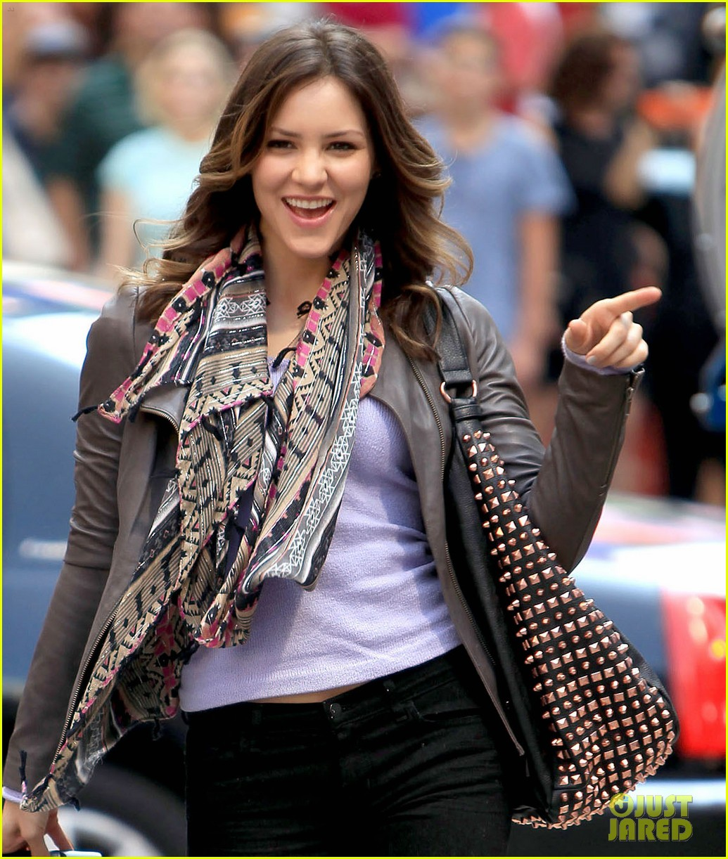 katharine mcphee smash filming on broadway 05