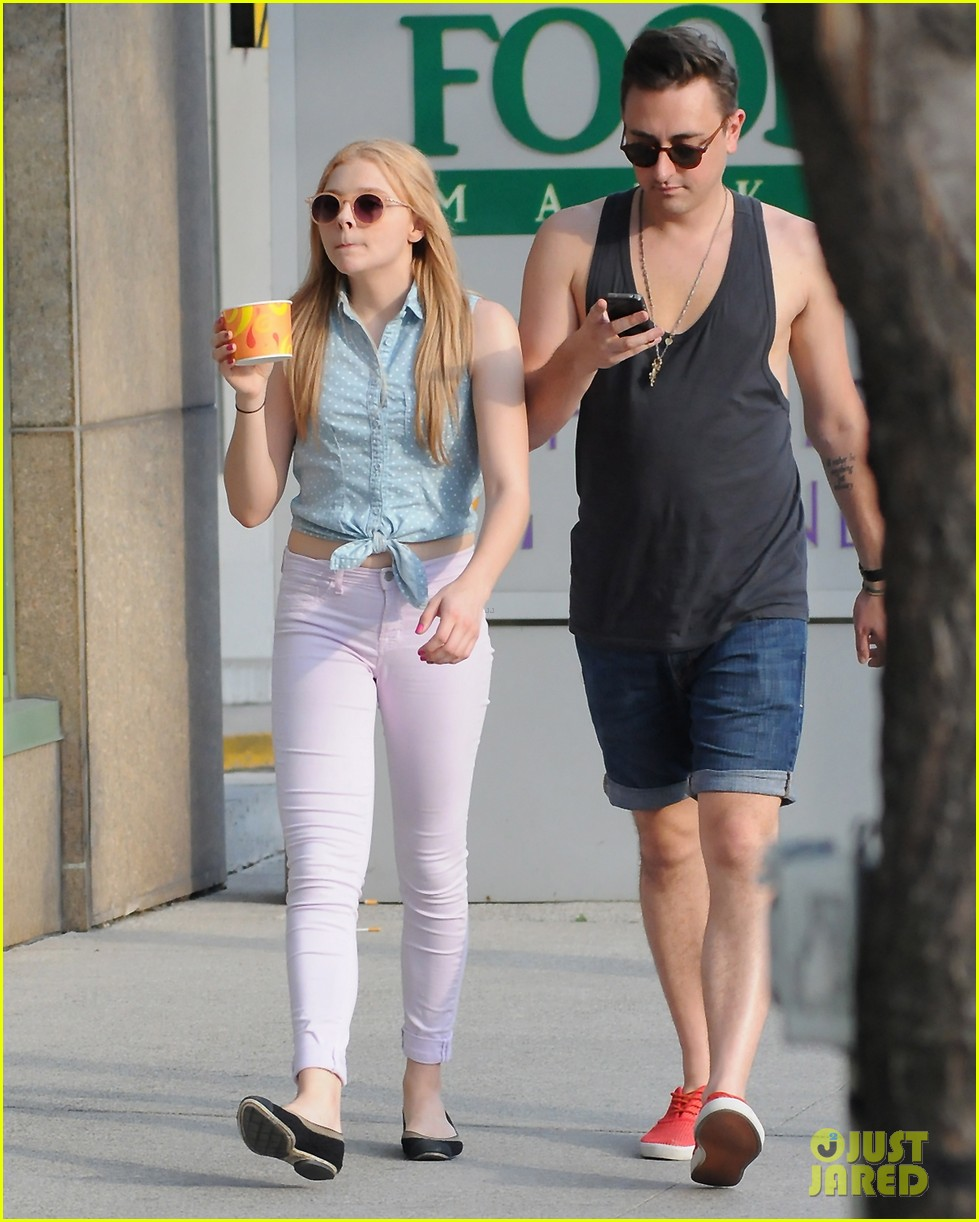chloe moretz ice cream treat 012689156