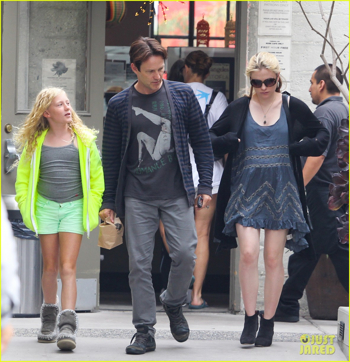 anna paquin stephen moyer lunch with lily 01