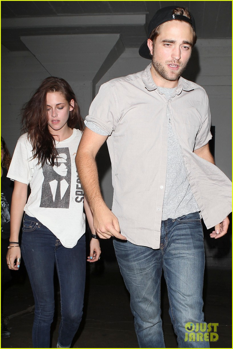 robert pattinson kristen stewart hotel cafe couple 02