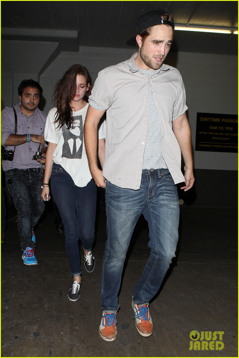 robert pattinson kristen stewart hotel cafe couple 152689770