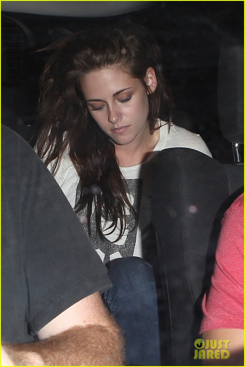 robert pattinson kristen stewart hotel cafe couple 23