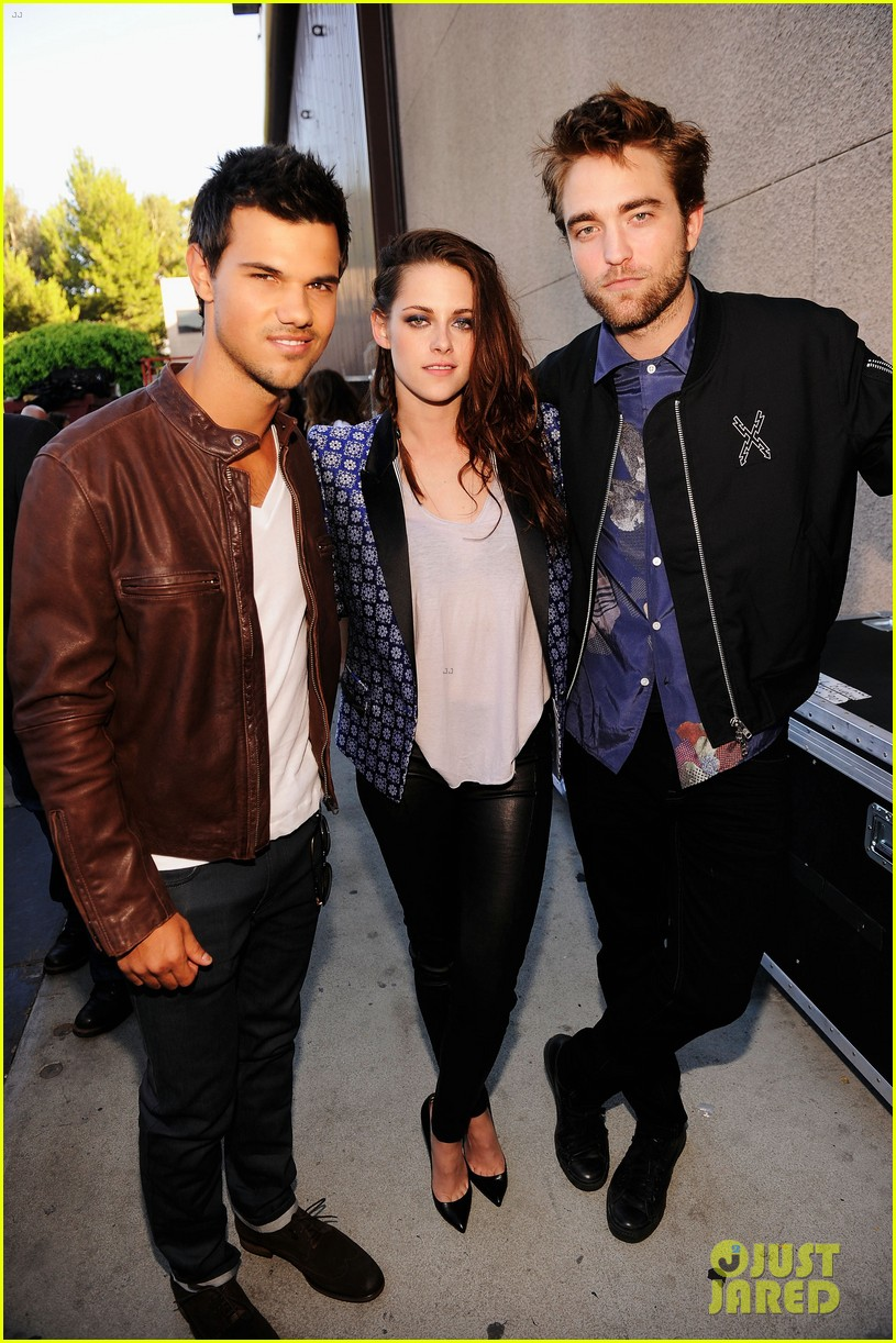 robert pattinson kristen stewart taylor lautner teen choice awards 2012 02