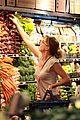 ellen pompeo whole foods grocery stop 04