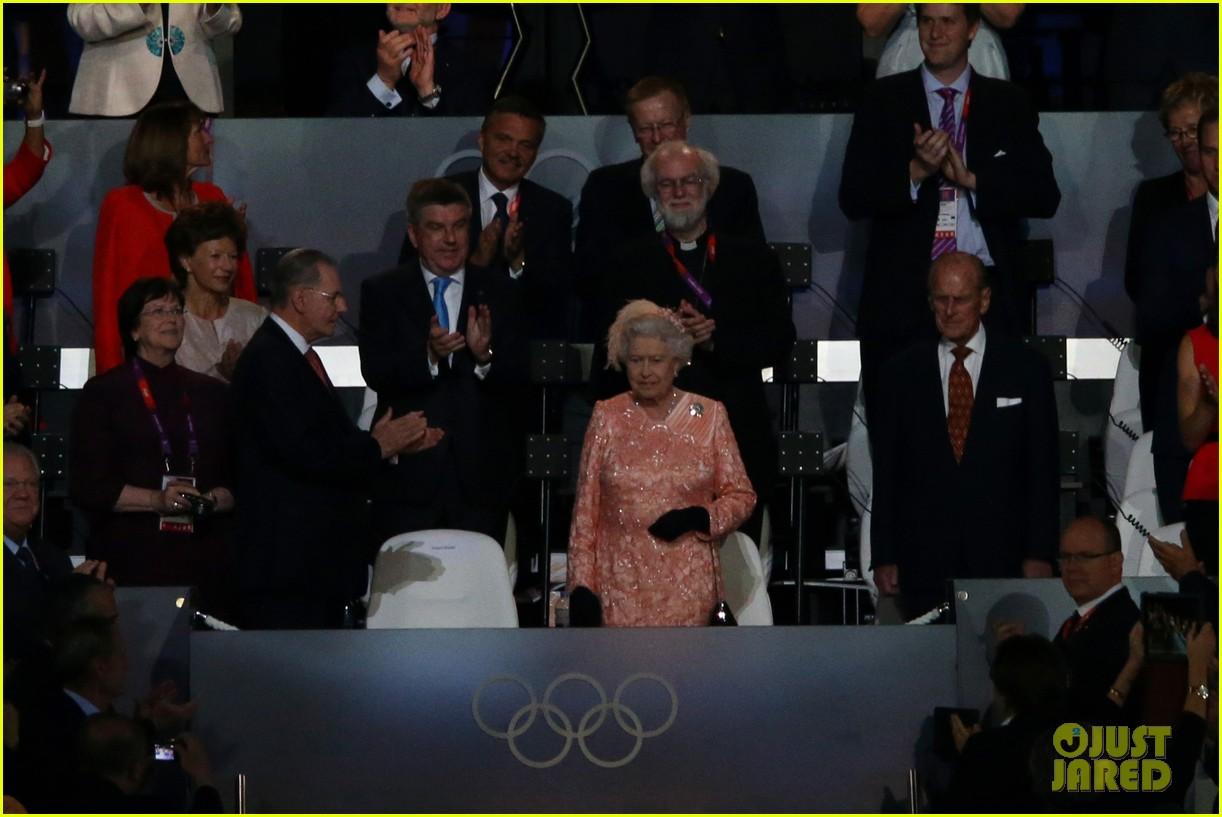 daniel craig queen elizabeth olympics 01