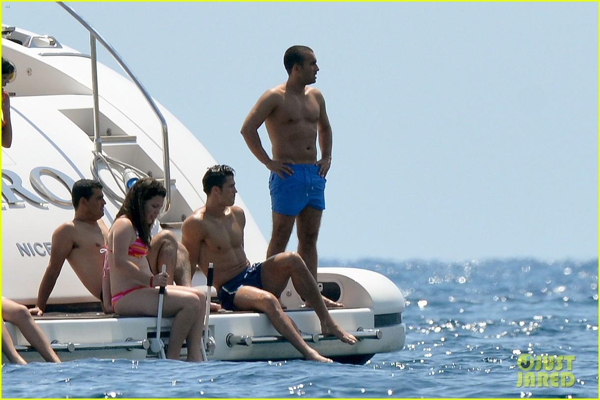 cristiano ronaldo irina shayk bangin beach bods 18