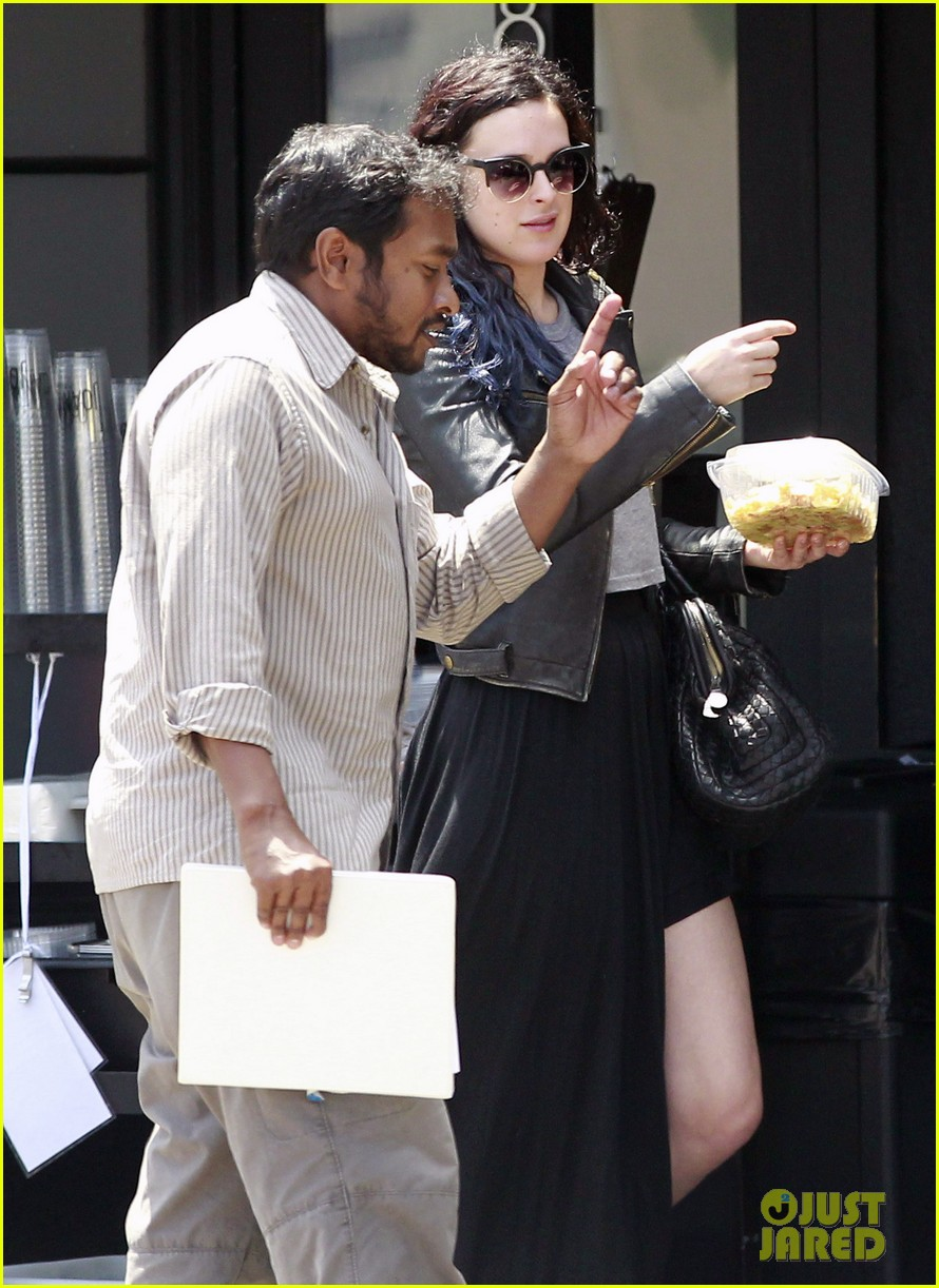 rumer willis bare lunch at joans 06