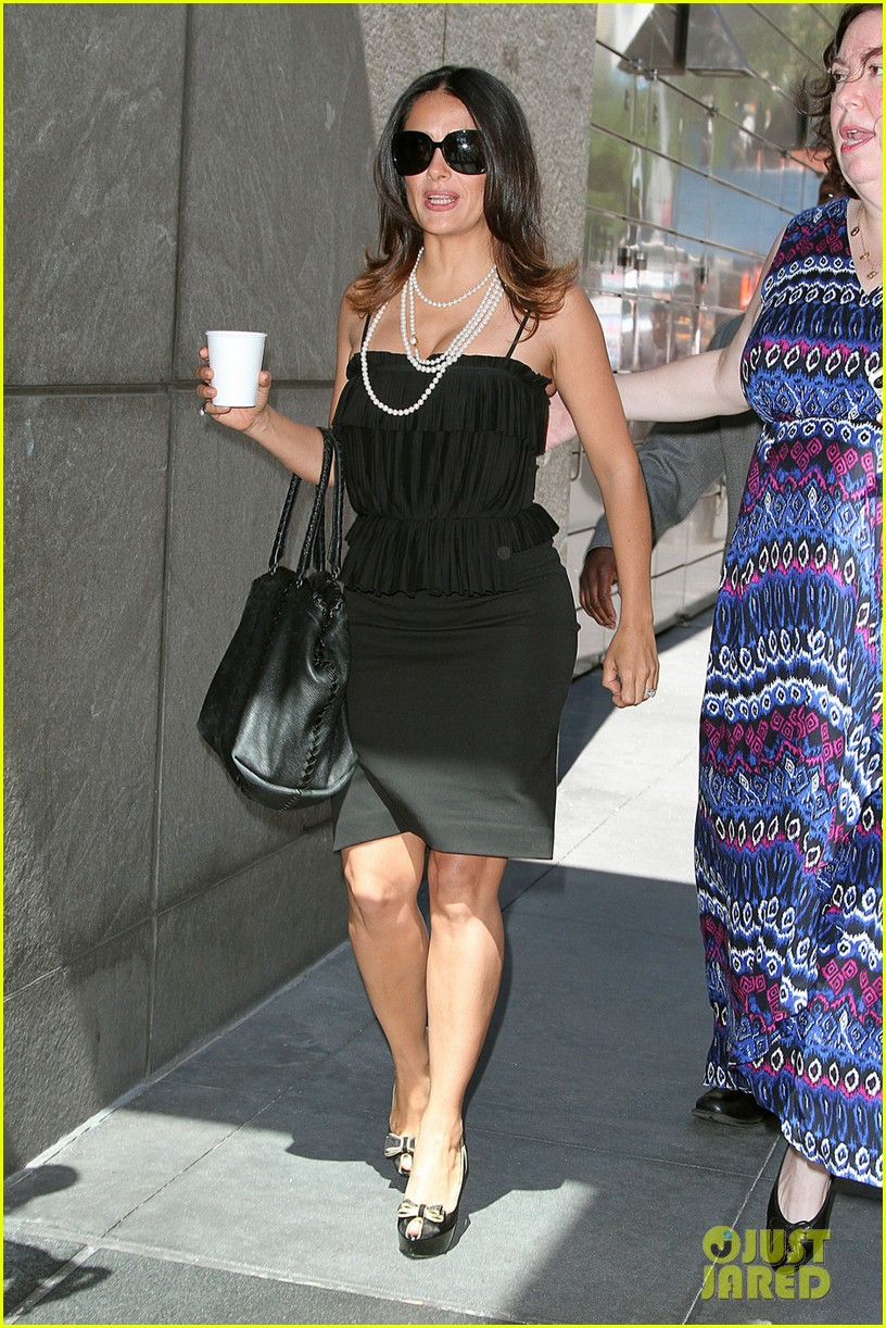 salma hayek coffee break nyc 01