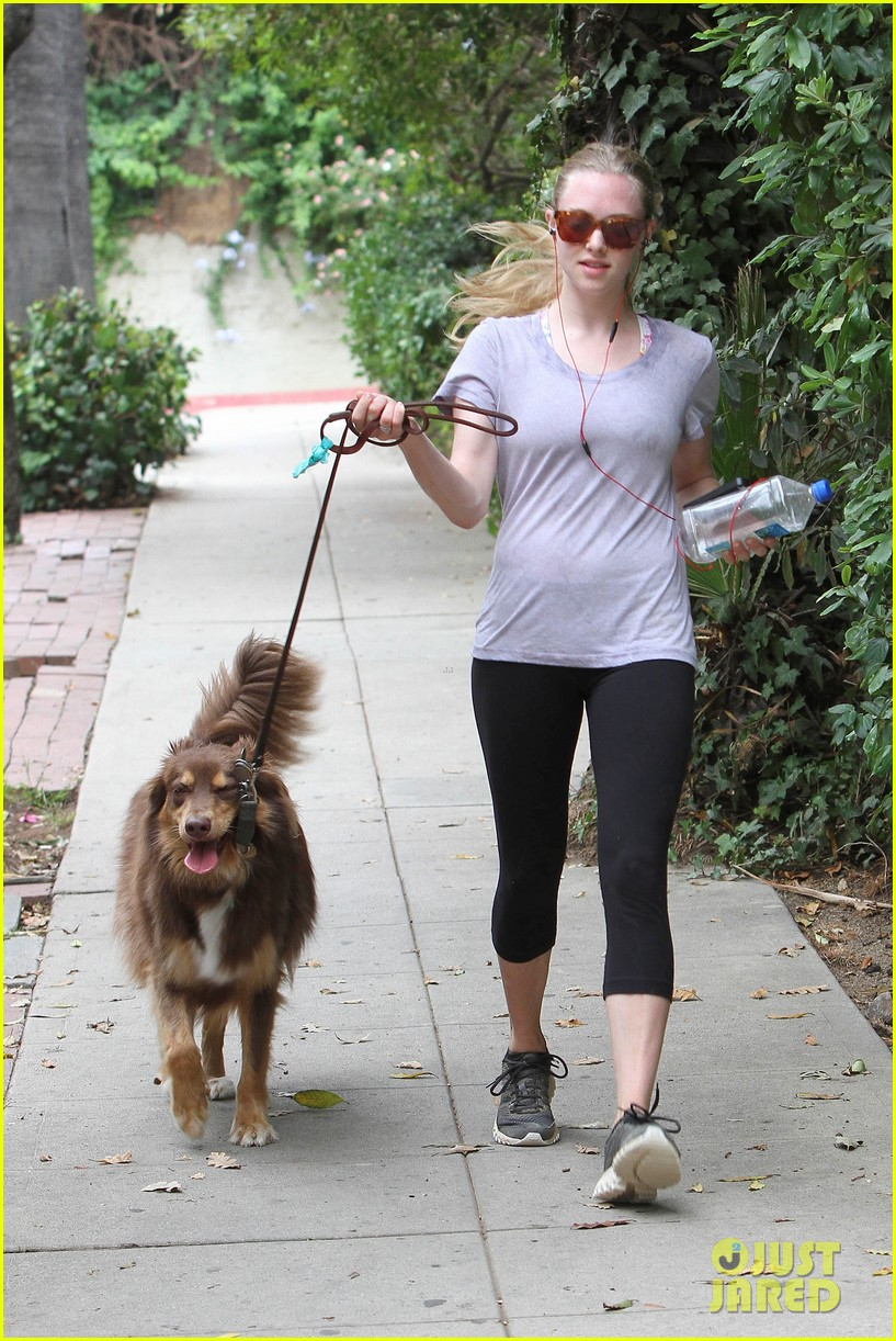 amanda seyfried keeping active 02