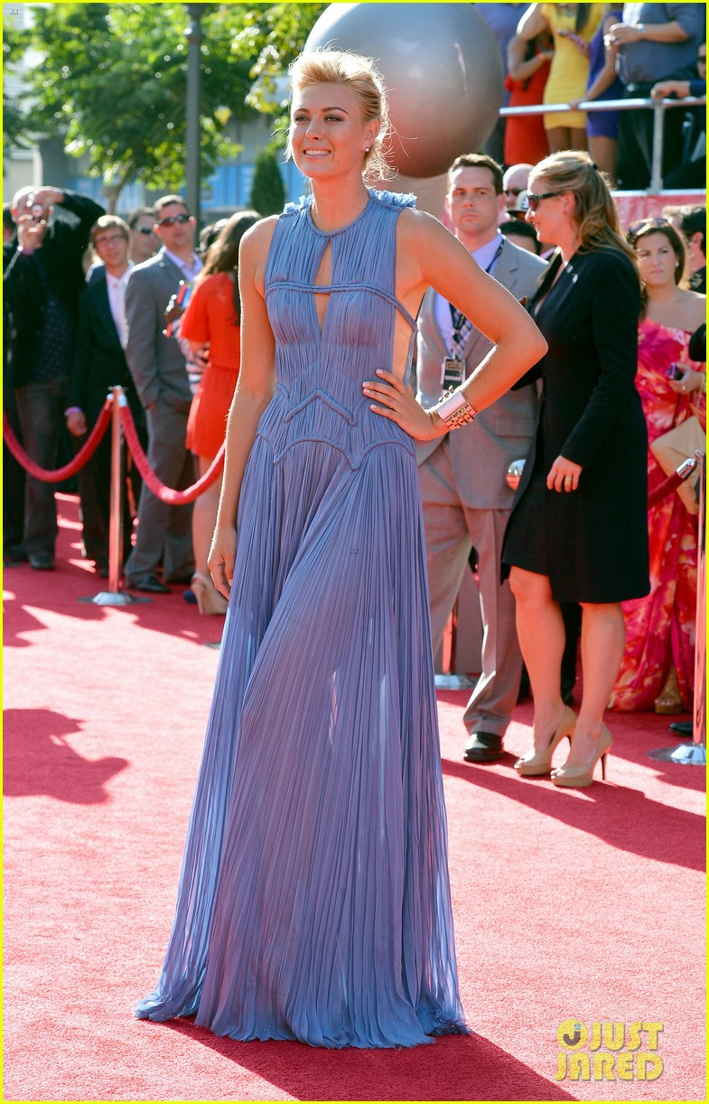 maria sharapova espy awards 2012 red carpet 05