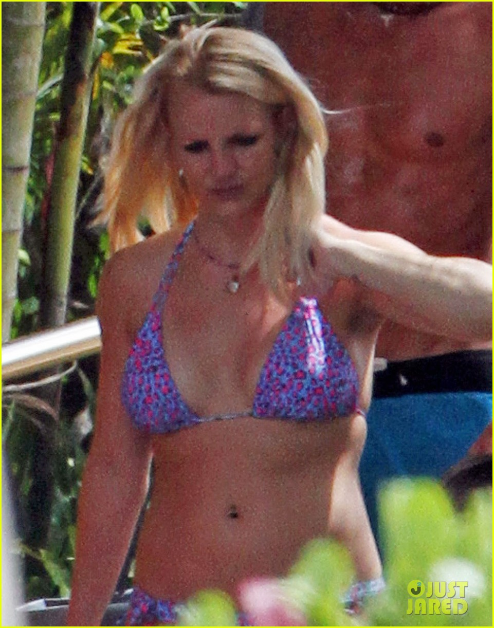 britney spears bikini hawaii 05