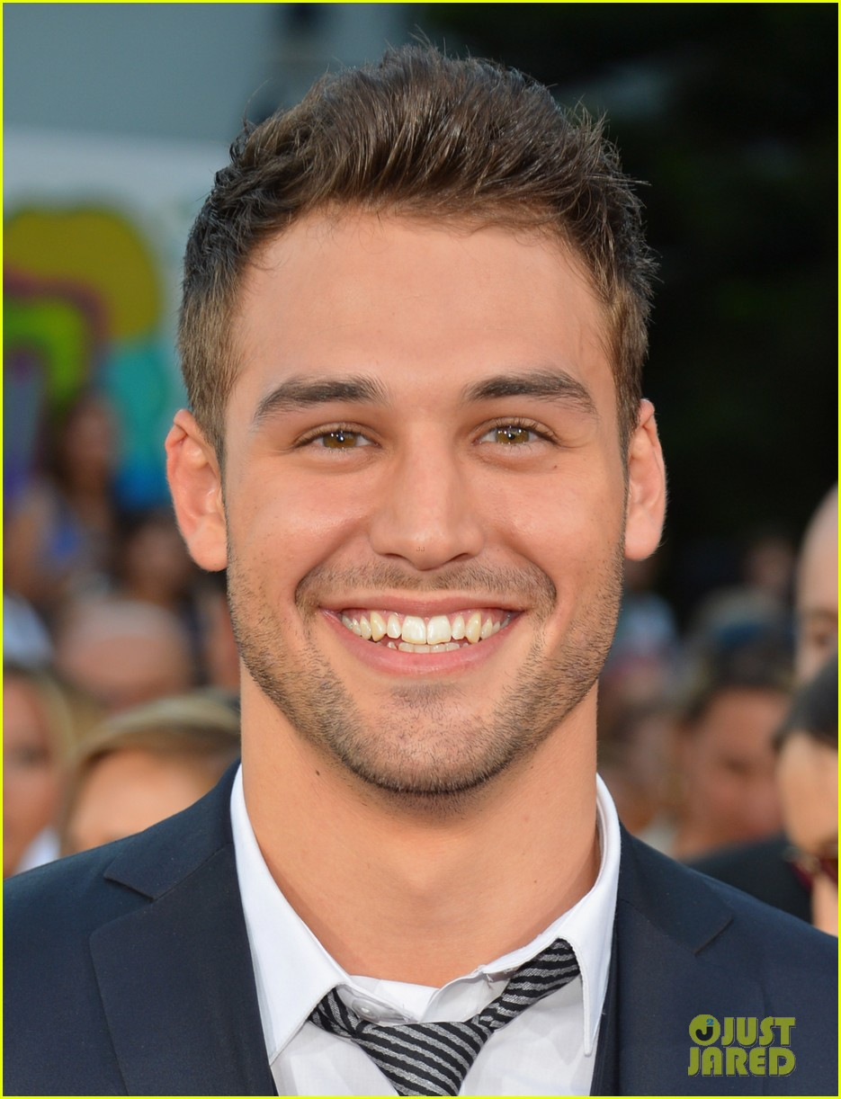 ashley tisdale ryan guzman step up revolution premiere 02