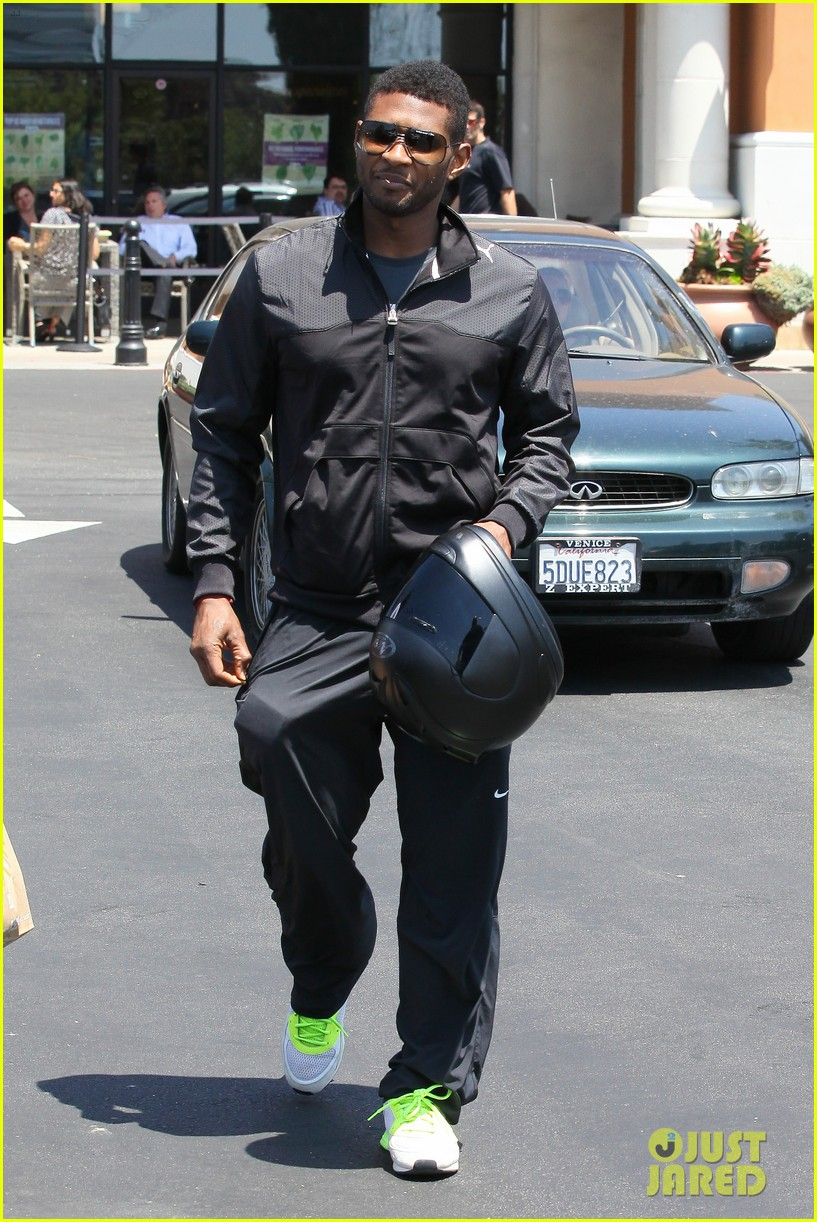 usher steps out after stepsons tragic death 19