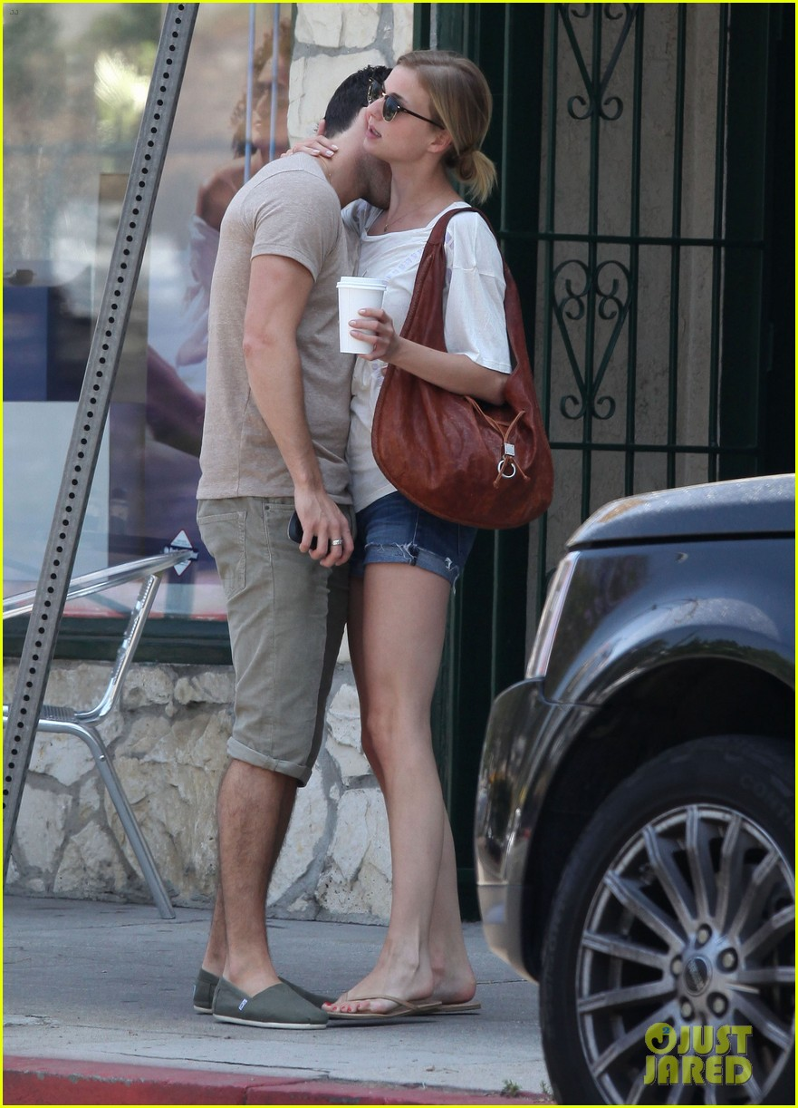 emily vancamp josh bowman little doms lovers 032682747
