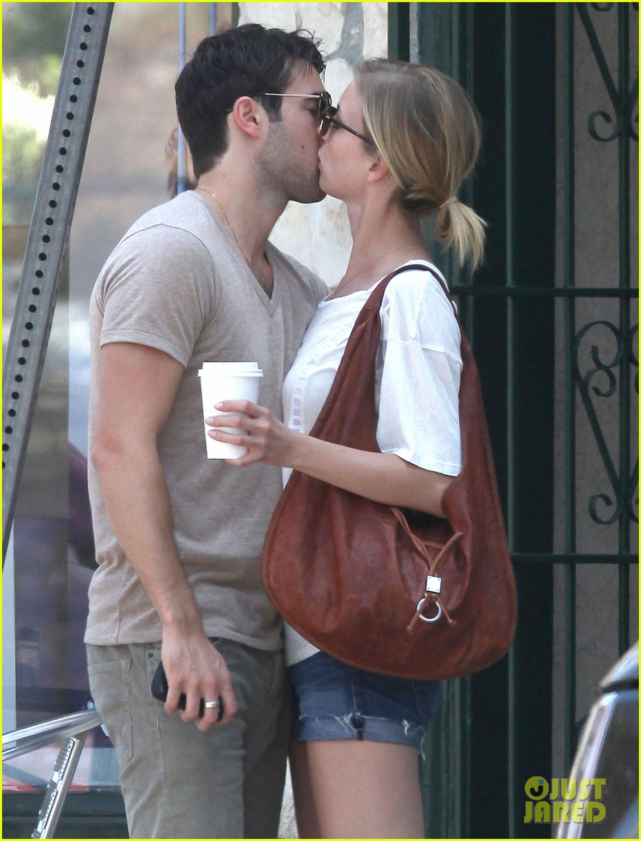 emily vancamp josh bowman little doms lovers 142682758