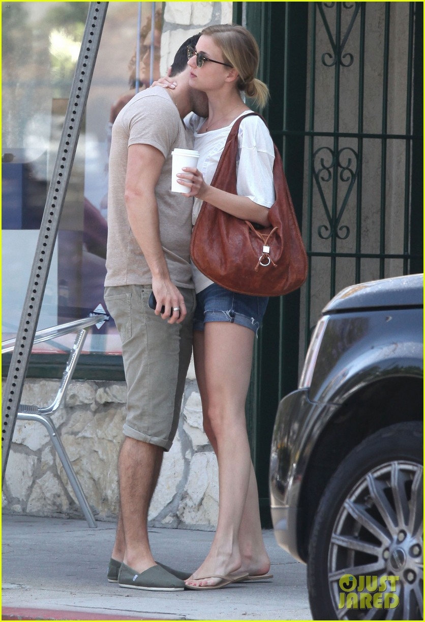 emily vancamp josh bowman little doms lovers 18