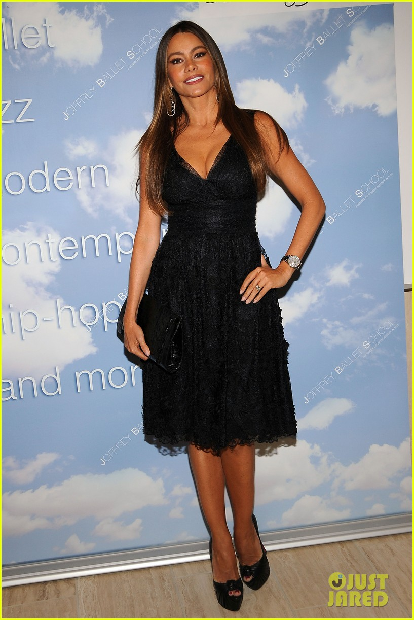 sofia vergara joffrey ballet school launch 01