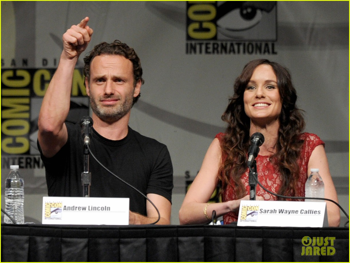 walking dead cast reveals inside scoop at comic con 09