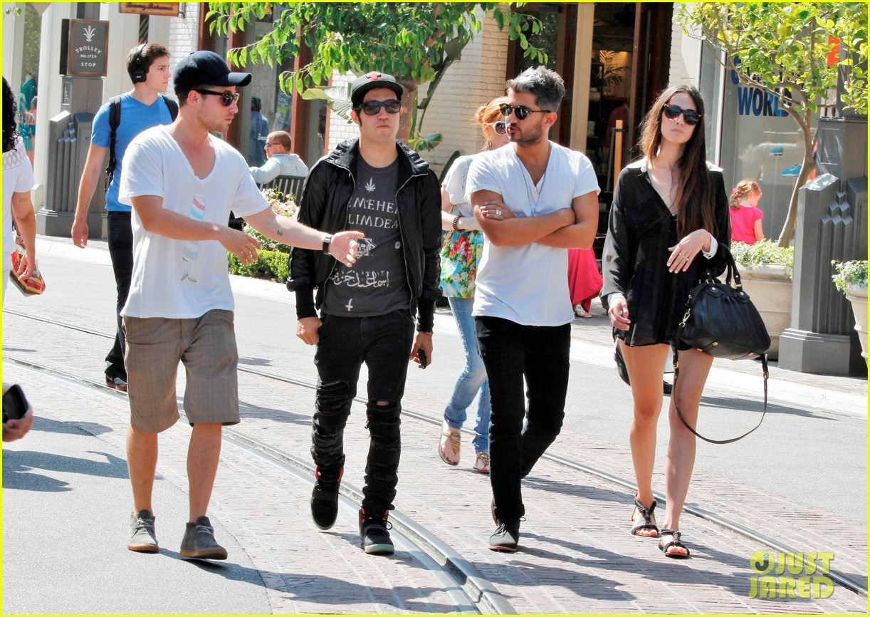 pete wentz meagan camper lunch with shawn pyfrom 03